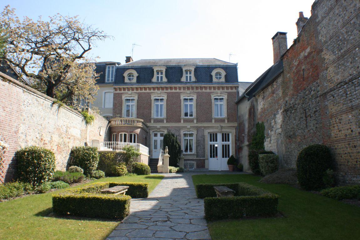 Belle Maison Bourgeoise Avec Jardin Face Au Port De Plaisance